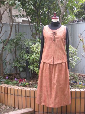 つむぎのベスト&スカート